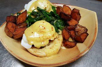 friday-harbor-house-san-juan-islands-eggs-benedict